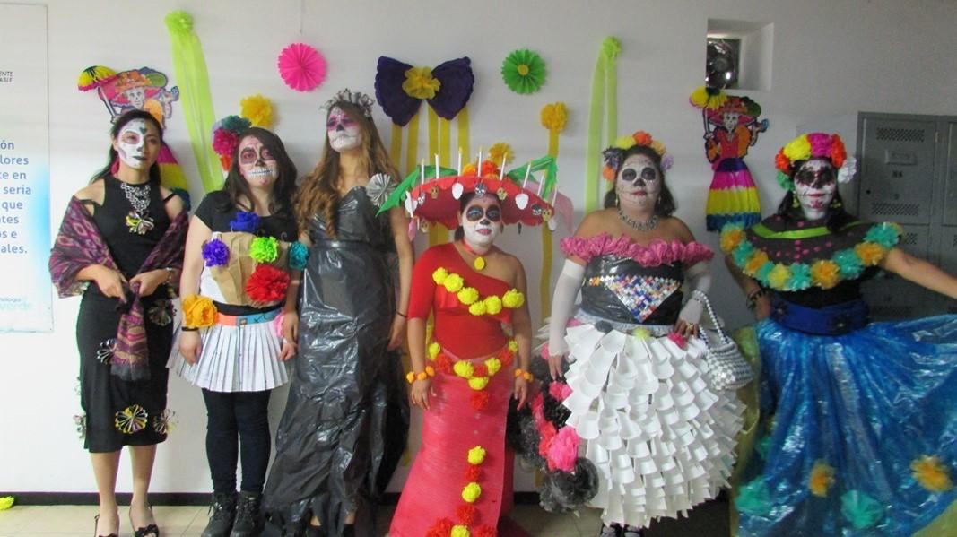 Concurso Catrin y Catrina Viviente en Toluca
