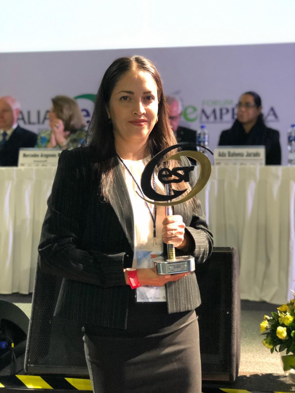 Lyrba ganadora del Distintivo ESR por 5to. año consecutivo.